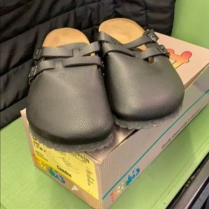 Birkenstock clogs black